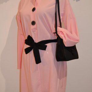 vestido camisero rosa con cuello mao