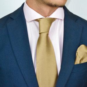 Conjunto de corbata y pañuelo