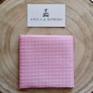 Pañuelo de solapa de lunares rosa