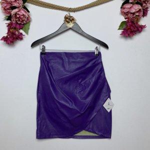 falda de mujer polipiel